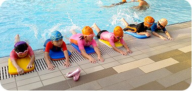 kids beginner swimming